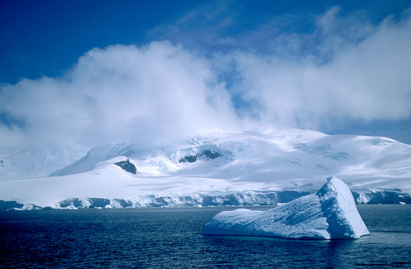 Antarctic Sound on the way to Paulet Island