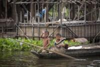 Tonlé Sap Lake, Fishing Children